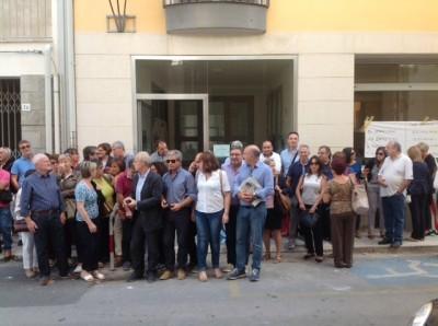 Manifestazione davanti alla sede del centro per l'impiego