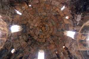 La-cupola-del-Bagno-di-Mezzagnone-vista-dall-interno