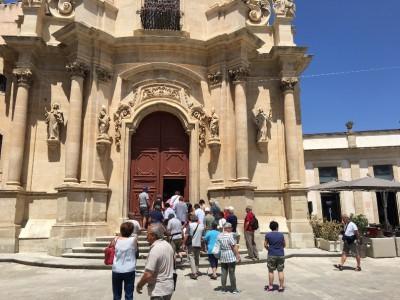 Turisti a Ibla