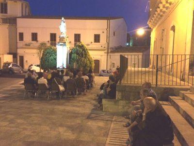 Il rosario in piazza Carmine