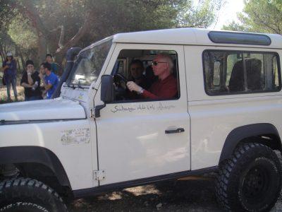 il-presidente-uic-salvatore-albani-alla-guida-di-un-fuoristrada