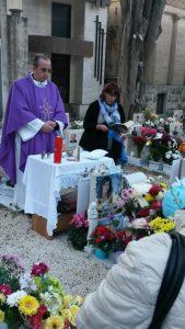 la-celebrazione-al-cimitero
