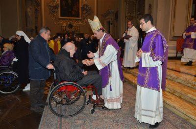 Giornata mondiale del malato 2016 il vescovo e l'offertorio (1)