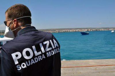 Immigrazione: sbarco Pozzallo, fermati 4 presunti scafisti