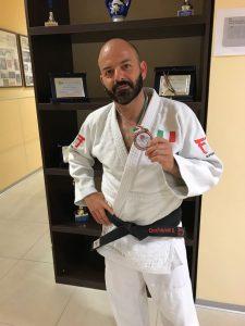 Danilo Occhipinti con la medaglia