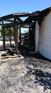 Il chiosco incendiato a Marina (1)