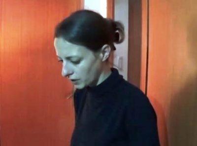 Veronica-a-casa.-con-la-polizia.3-2