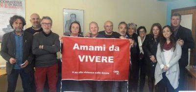 La presentazione della bandiera Amami da Vivere